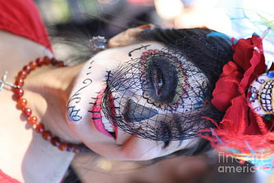 Dia De Los Muertos Photograph - Day Of The Dead Woman I by Chuck Kuhn