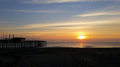 Photograph - Daybreak At The Pier by Robert Banach