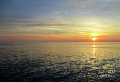 Photograph - Daybreak On The Ocean by Randall Weidner