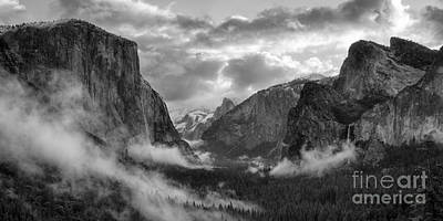 Daybreak Over Yosemite Art Print