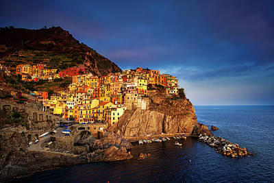 Photograph - Day's End At Manarola by Andrew Soundarajan