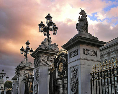 Grill Gate Photograph - Day's End, Buckingham Palace Main Gate by Connie Handscomb