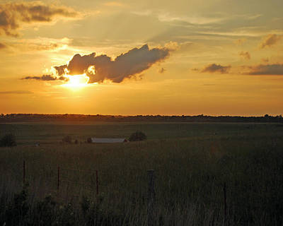 Prairie Sunset Photograph - Day's End by Pamela Peters