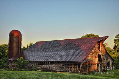 Photograph - Days Of Thunder Barn by Randy Rogers