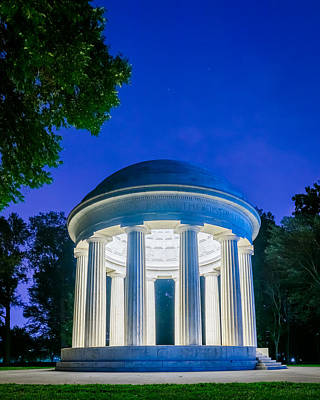 Photograph - Dc War Memorial by Chris Bordeleau
