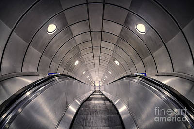London Tube Photograph - Deep Down Below by Evelina Kremsdorf