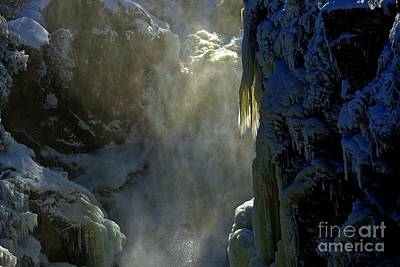 Photograph - Deep by Elfriede Fulda