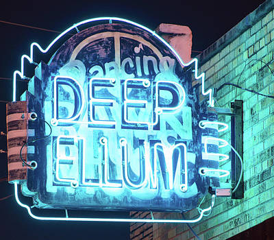 Photograph - Deep Ellum 053118 by Rospotte Photography
