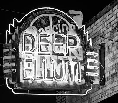 Photograph - Deep Ellum Dancing B W 053118 by Rospotte Photography