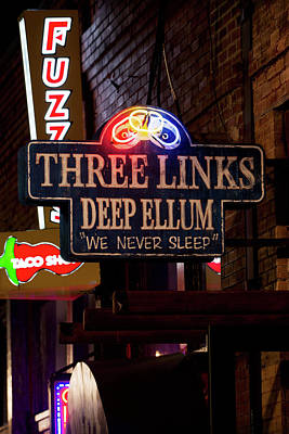 Photograph - Deep Ellum's Neon Three Links by Rospotte Photography