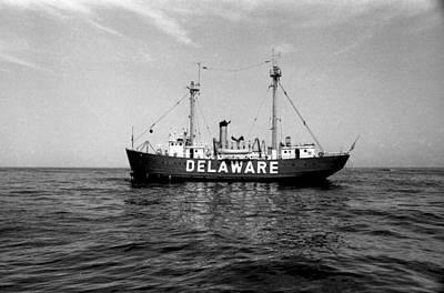 Delaware Lightship Atlantic Ocean Vintage 1968 Art Print by Wayne Higgs