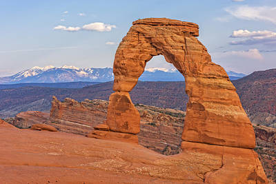 Photograph - Delicate Arch At Sunset by Jim Vallee