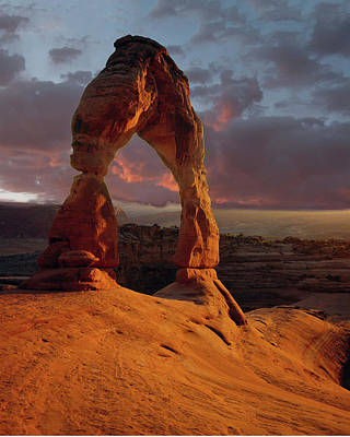 Photograph - 90134 Delicate Arch by Erik Poppke