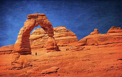 Freestanding Rock Photograph - Delicate Arch In Arches by Carolyn Derstine
