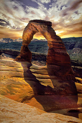 Photograph - Delicate Arch by James Bethanis