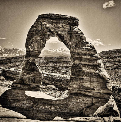 Photograph - Delicate Arch by Roger Passman