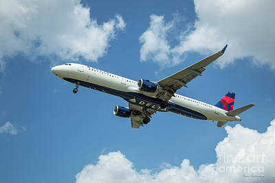Photograph - Delta Air Lines 757 Airplane N308dn Hartsfield-jackson Atlanta International Airpoet Art by Reid Callaway