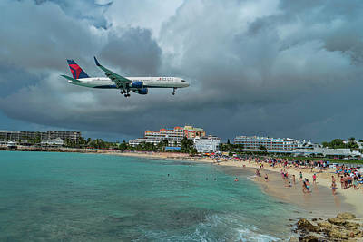 Photograph - Delta Air Lines 757 At Sxm Airport by David Gleeson