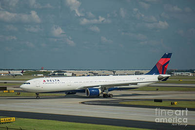 Photograph - Delta Airlines Jet N803nw Atlanta Airplane Art by Reid Callaway