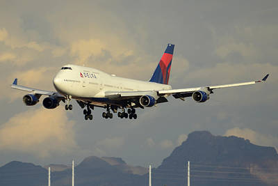 Delta Boeing 747-451 N668us Phoenix Sky Harbor January 8 2015 Art Print by Brian Lockett