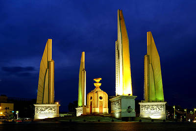 Photograph - Democracy Monument by Fabrizio Troiani