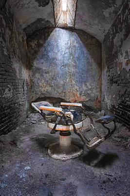Photograph - Dental Chair Esp by Tom Singleton