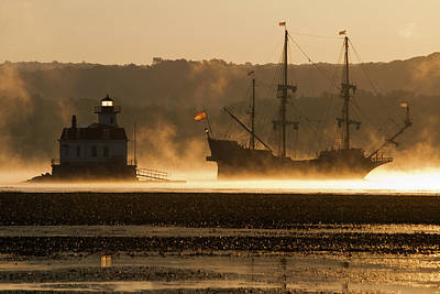 Photograph - Departure Of El Galeon II by Jeff Severson