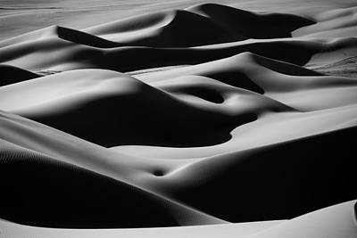 Photograph - Desert Curves by Ivan Slosar