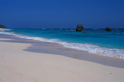Art Print featuring the photograph Deserted Beach In Bermuda by Carl Purcell