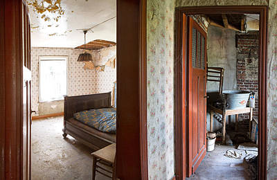 Abandoned Houses Photograph - Deserted Bedroom - Urban Decay by Dirk Ercken