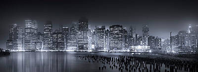 Photograph - Destination Manhattan by Mark Andrew Thomas