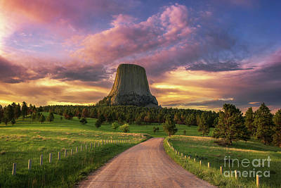 Photograph - Devils Tower Sunrise by Anthony Heflin