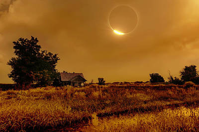 Photograph - Diamond Ring Eclipse And Barn by PhotoWorks By Don Hoekwater