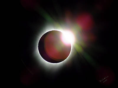 Photograph - Diamond Ring Solar Eclipse 2017 by Wendy McKennon