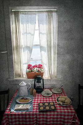 Mixed Media - Dinner Time In The Lighthouse by Brian Wallace