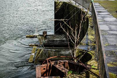 Photograph - Dip Net Platforms At Cascade Locks by Tom Cochran