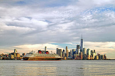 Twin Towers Trade Center Digital Art - Disney Cruise Ship Passing Freedom Tower In New York City by Geraldine Scull