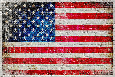 Distressed American Flag On Old Brick Wall - Horizontal Art Print