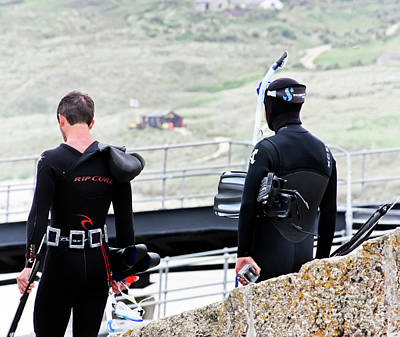 Photograph - Divers At Sennen Cove by Terri Waters