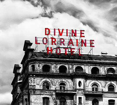 Philadelphia Phillies Photograph - Divine Lorraine Hotel Marquee by Bill Cannon