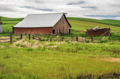 Photograph - An Abandoned Barn In Palouse by Usha Peddamatham