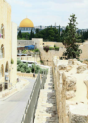 Photograph - Dome Of The Rock Road by Munir Alawi