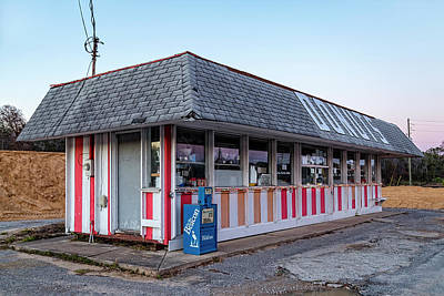 Photograph - Donut Shop No Longer, Niceville, Florida by Kay Brewer