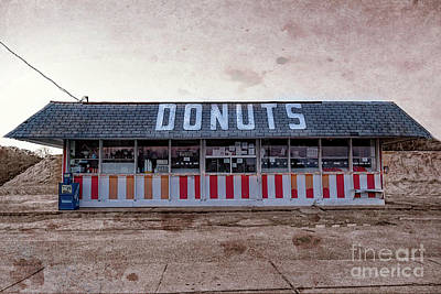 Photograph - Donut Shop No Longer Vintage 2, Niceville, Florida by Kay Brewer