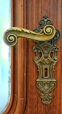 Photograph - Door Handle by Herb Paynter