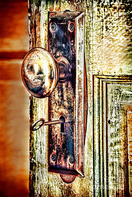 Door Knob With Key Art Print by HD Connelly