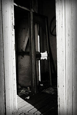 Photograph - Doorway In Cuervo by Patricia Montgomery