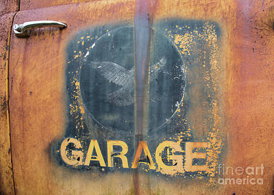 Antique Tow-truck Photograph - Dove's Garage by Terry Rowe