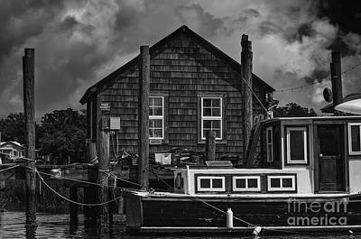 Photograph - Downeast Style Docking by Dale Powell