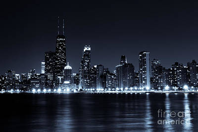 Downtown Chicago City Skyline At Night Photo Art Print by Paul Velgos